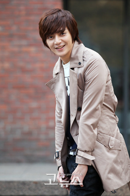 kim joon as song woo bin